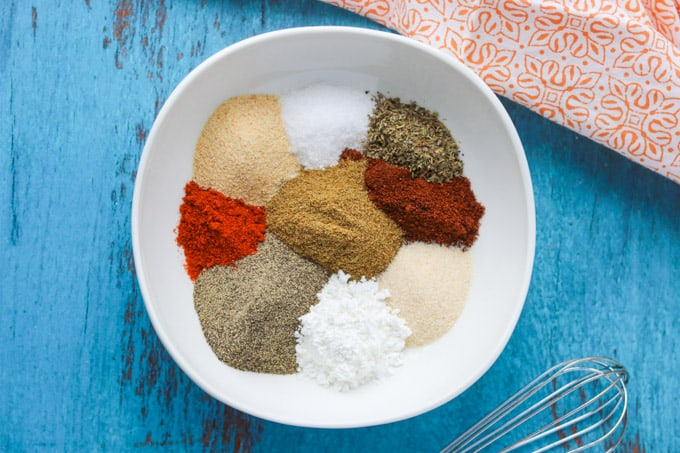 A combination of spices for taco seasoning.