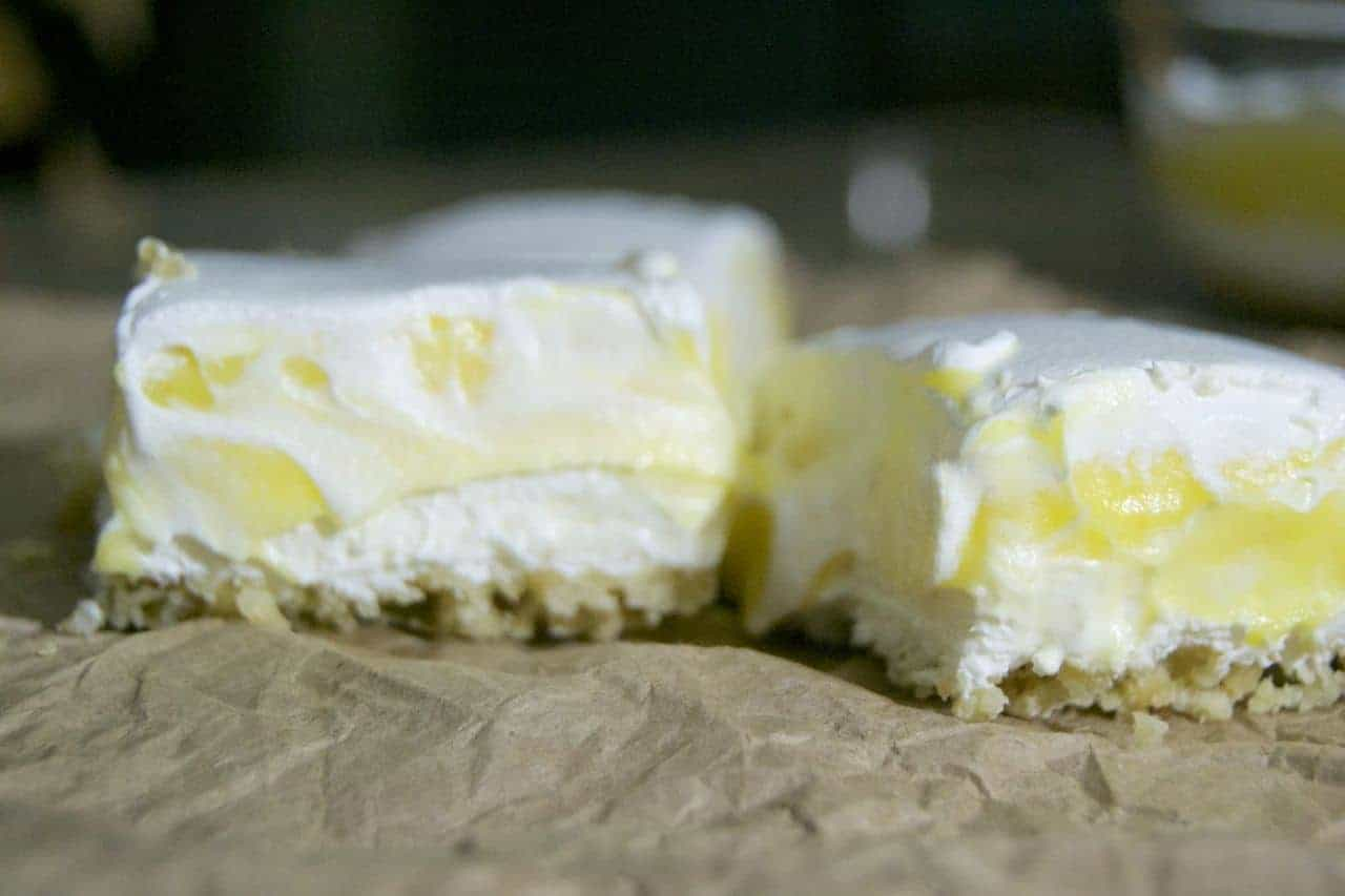 The Best Lemon Bars - just the right amount of tangy and sweet! A perfect treat to cool you off on a hot summer day!