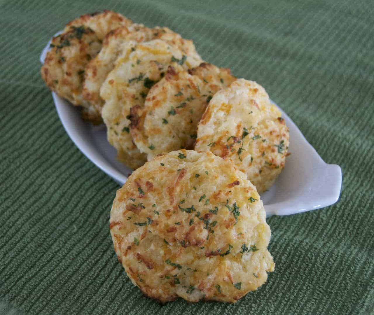 Red Lobster Cheddar Bay Biscuits - a copycat recipe - biscuits filled with cheddar cheese, a touch of Cajun spice and ready in just 20 minutes!