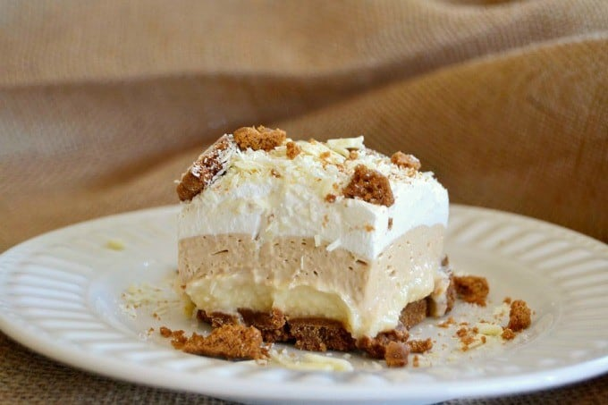 Biscoff Cookie Spread, White Chocolate Pudding and crushed Biscoff Cookies makes these bars a dream!