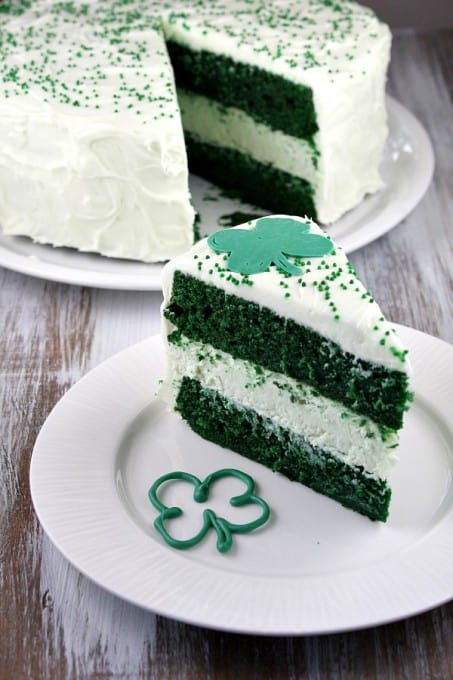 Green-Velvet-Cheesecake-Cake-7