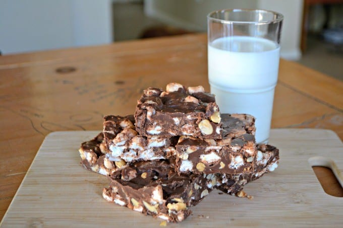 This Peanut Butter Rocky Road is full of peanuts and marshmallows. It will be difficult to eat just one piece of this sweet treat.
