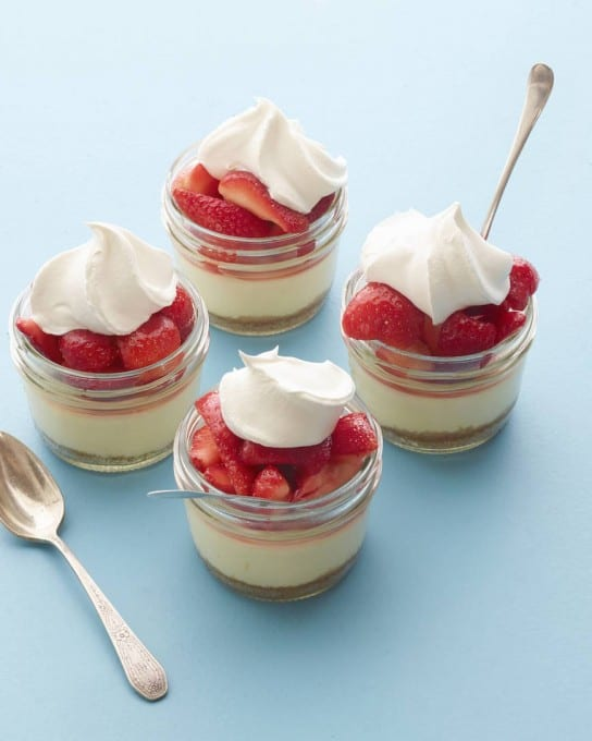 MINI_MASON_JAR_STRAW_CHEESECAKE_BLOG_11