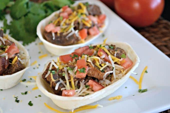 A great back to school weeknight dinner - Slow Cooker Carne Asada Taco Boats!