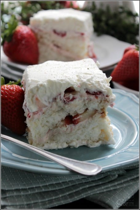 strawberry-and-angel-food-cake-tiramisu