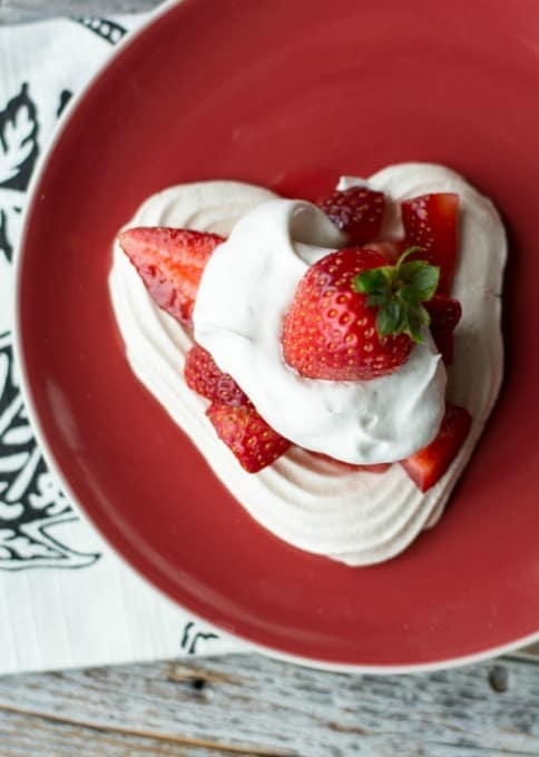Heart Meringues with Berries and Cream- individual serving size treats that are perfect for Valentine's Day