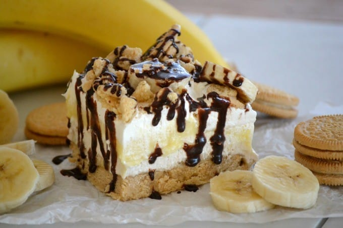 These Banana Pudding Dream Bars take your favorite banana pudding to the next level with an Oreo layer, fresh bananas and a sweet cream cheese layer.