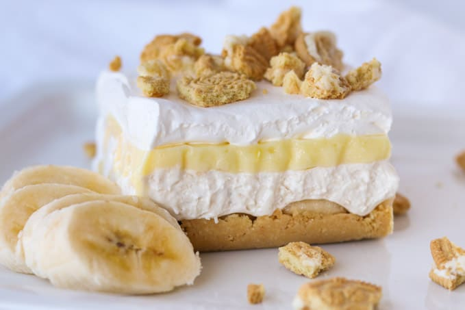 An Oreo crust, banana cheesecake, banana pudding and Cool Whip.