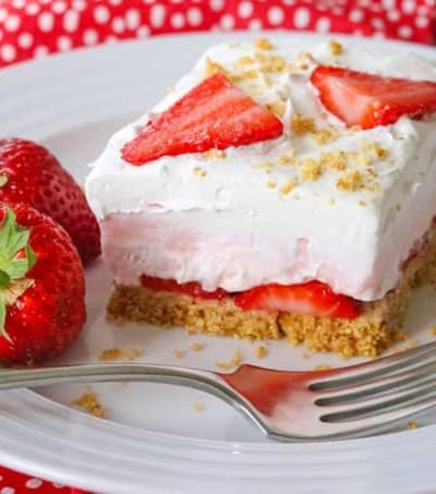 A slice of Strawberry Cheesecake Dream Bars.