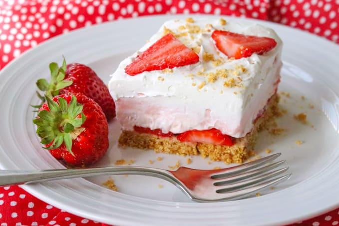A slice of Strawberry Cheesecake Dream Bars.