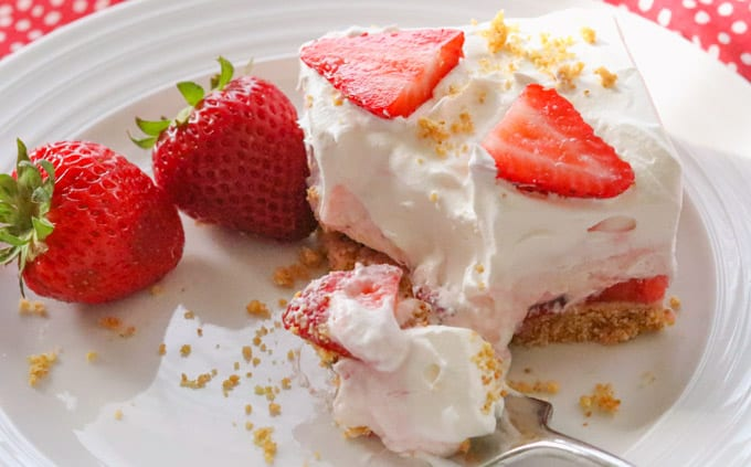The perfect no bake strawberry dessert for spring, summer, and all year long!