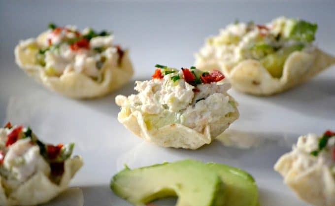 These Avocado Tuna Salad Bites sprinkled with a few chives and chili pepper flakes pack just enough kick and are the perfect addition to your party or Game Day menu.