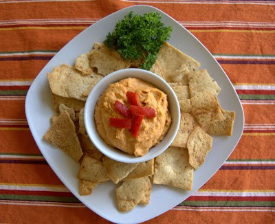 Roasted-Red-Pepper-Garlic-Hummus