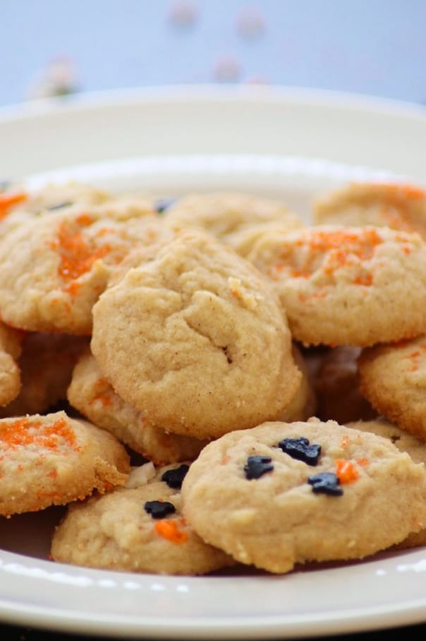 These Pumpkin Spice Cream Cheese Cookies have the right amount of pumpkin spice and cream cheese to make them a new Fall favorite! You'll make them yearly!
