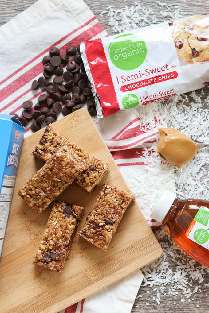 Rice Krispies cereal, Simple Truth Orange Blossom Honey, Simple Truth Organic Semi-Sweet Chocolate Chips are just some of the great ingredients that are in these No-Bake Rice Krispies Granola Bars.