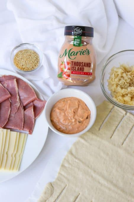 Ingredients to make an easy Reuben Braid.