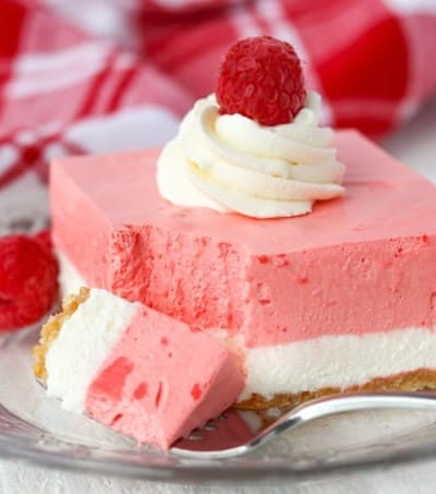 A bit of sweet no bake Raspberry Cream Bars.