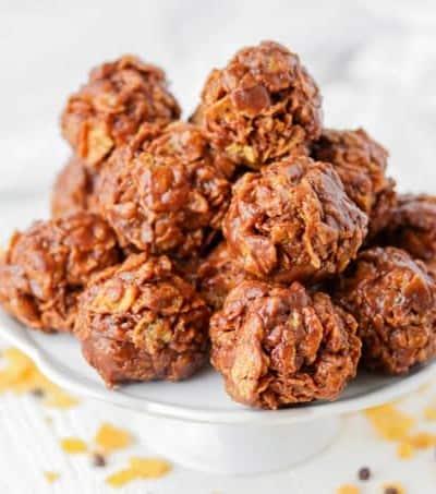 No Bake Chocolate Peanut Butter Cornflake Cookies
