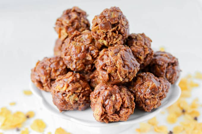 No bake peanut butter cornflake cookies with chocolate!